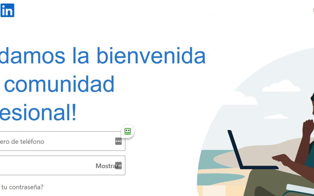 """portada de LinkedIn con un hombre sentado trabajando en el ordenador y la frase """"Te damos la bienvenida a la comunidad profesional"""""""